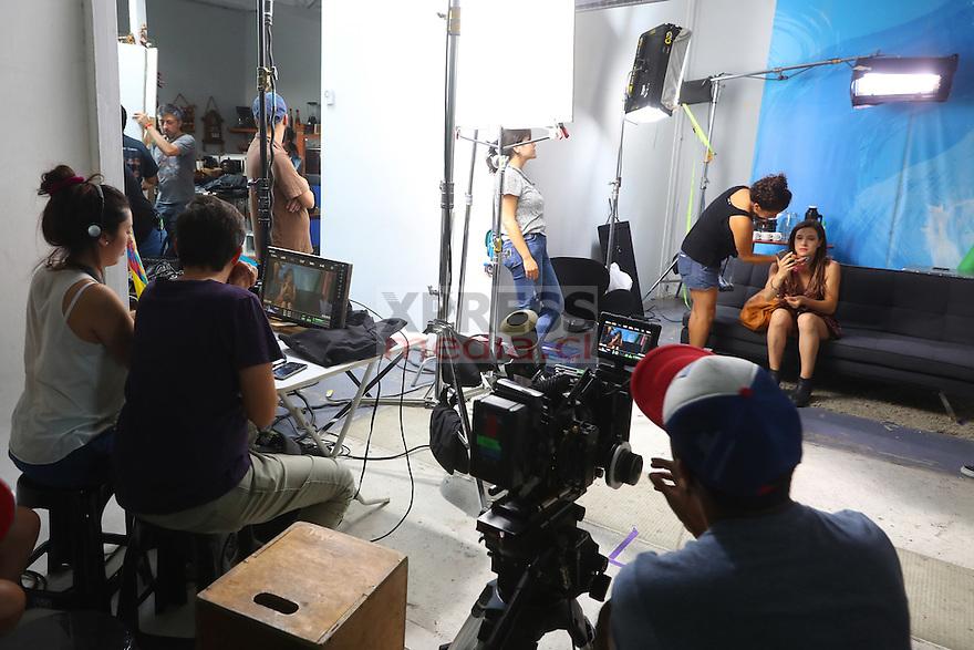 """15 Diciembre 2016, Santiago-Chile. Producción de la película chilena """"Swing"""" en la locación del casting ©Ernesto Zelada - Xpress Media"""