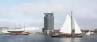 Nederland  Amsterdam  -  2017.  Zeilschepen op het IJ.  Foto Berlinda van Dam / Hollandse Hoogte