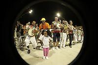 SÃO PAULO, SP, 05 JANEIRO DE 2013 - CARNAVAL 2013 - ENSAIO TECNICO X-9 PAULISTANA - Ensaio tecnico da Escola de Samba X-9 Paulistana realizado na noite  desse sabado, 05 no Sambodromo do Anhembi, em Sao Paulo, zona norte da capital. FOTO LOLA OLIVEIRA - BRAZIL PHOTO PRESS