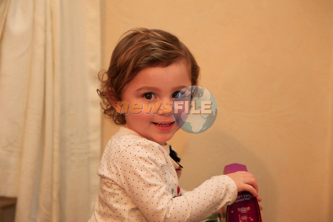 20 Month Old Abbie Callaghan with her parents Colm and Paula at home after there ordeal on Monday in Drogheda.<br />  Picture: Fran Caffrey www.newsfile.ie