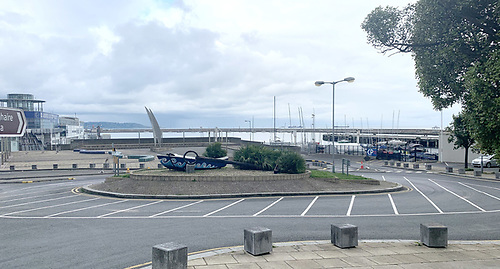 New road markings at Dun Laoghaire Harbour roundabout
