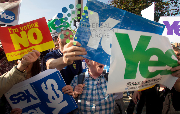 A Yes voters after John Prescott talked about the Scottish referendum campaign. The Labour veteran was joined by Alistair Darling and Anas Sarwar all making stump speeches and campaign call's with local Labour activists.<br /> Picture: Universal News And Sport (Scotland) 10 September 2014.