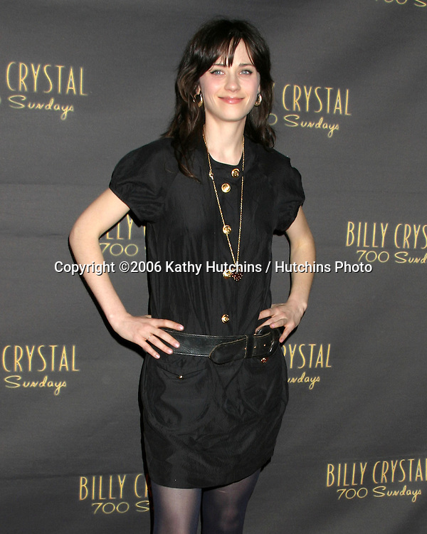 Zooey Deschanel.Wilshire Theater.700 Sundays LA Play Opening.Los Angeles, CA.January 12, 2006.©2006 Kathy Hutchins / Hutchins Photo....