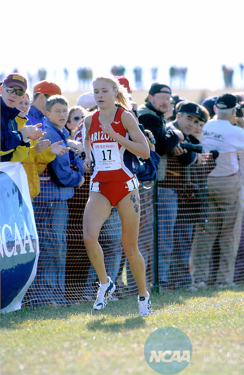 23 NOV 1998: Amy Skieresz of Arizona makes her way to the finish line during the Women's Division I Cross Country Championship held at Rim Rock Farm in Lawrence, KS. Skieresz placed second in the event with a time of 16:53.52. Jeff Jacobsen/NCAA Photos