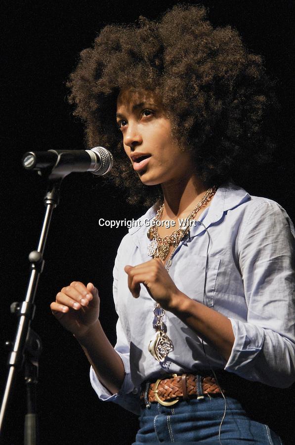 Esperanza Spalding live in concert | George Wirt