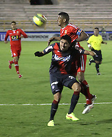 TUNJA -COLOMBIA, 17-08-2014. El capitan de Patriotas FC disputa el balón con un jugador de Atlético Junior durante partido válido por la fecha 5 de la Liga Postobón II 2014 realizado en el estadio La Independencia en Tunja./ Captain of Patriotas FC struggles the ball with a player of Atlético Junior during match for the 5th date of Postobon  League II 2014 at La Libertad stadium in Tunja. Photo: VizzorImage/César Melgarejo Aponte/STR