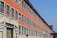 - esterno ex fabbrica Ansaldo riconvertita....- exterior former Ansaldo factory reconverted....