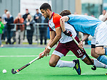 ALMERE - Hockey - Hoofdklasse competitie heren. ALMERE-HGC (0-1) . Daniel de Haan (Almere) met  Weigert Schut (HGC)     COPYRIGHT KOEN SUYK