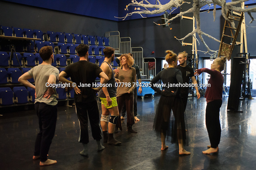 Cardiff, UK. 19.01.2016. National Dance Company Wales in the studio at Dance House, Wales Millennium Centre, rehearsing FOLK, choreographed by artistic director, Caroline Finn, in preparation for their Spring Tour 2016. Caroline Finn (centre) with the Company. Photograph © Jane Hobson.