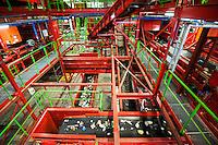 Nederland, Wijster, 10 feb 2014<br /> Nieuwe afvalscheidingsinstallatie van Attera, de het afvalbedrijf in Drenthe.  <br /> Diverse soorten plastic worden hier uit het huisvuil gehaald en gesorteerd zodat het weer nieuwe grondstof kan worden en niet gewoon de verbrandingsoven in gaat.<br /> <br /> Foto(c): Michiel Wijnbergh