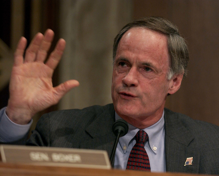 03/09/05.CLEAR SKIES ACT OF 2005--Sen. Thomas R. Carper, D-Del., during the Senate Environment and Public Works Committee markup. The measure failed with a tie vote; Republican Lincoln Chafee of Rhode Island joined the ranking member, Independent James M. Jeffords of Vermont, and the committee's Democrats in voting against the bill..CONGRESSIONAL QUARTERLY PHOTO BY SCOTT J. FERRELL