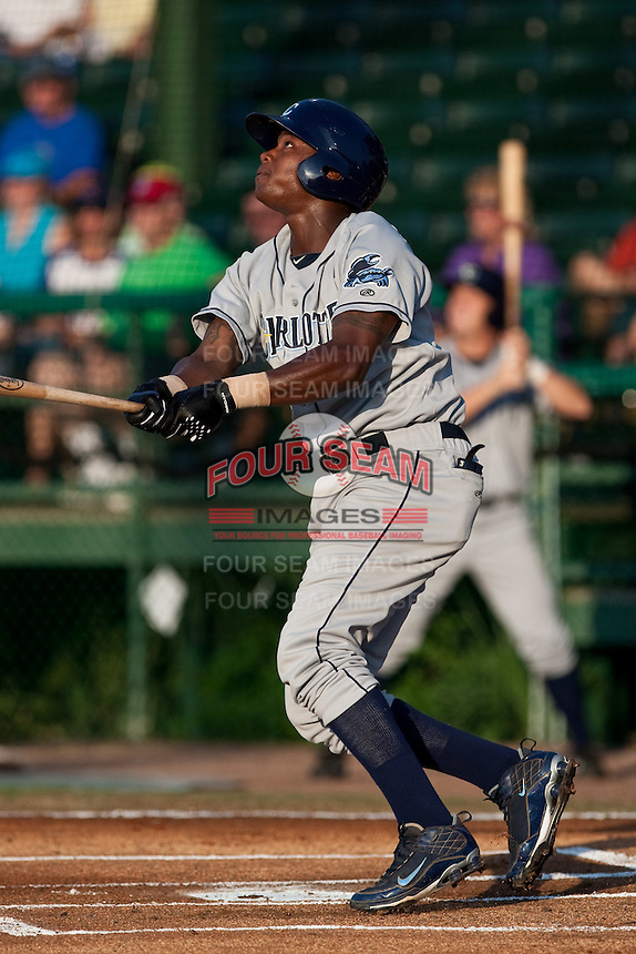 Tim Beckham (22) of the Charlotte Stone Crabs during a game vs. the Daytona Cubs June 1 2010 at Jackie Robinson Ballpark in Daytona Beach, Florida. Charlotte won the game against Jupiter by the score of 4-1.  Photo By Scott Jontes/Four Seam Images
