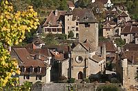 Europe/France/Midi-Pyrénées/46/Lot/Autoire: Maisons du village et l'église  - Les Plus Beaux Villages de France