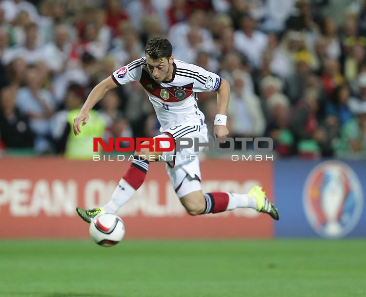 EM 2015 Qualifikationsspiel, Gibraltar vs. Deutschland<br /> Mesut &Ouml;zil (Deutschland)<br /> <br /> <br /> Foto &copy; nordphoto /  Bratic