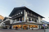 Einkaufsstra&szlig;e in Oberstdorf im Allg&auml;u, Bayern, Deutschland<br /> shopping mall  in Oberstdorf, Allg&auml;u, Bavaria,  Germany