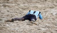 RAVENNA, ITALIA, 08 DE SETEMBRO DE 2011 - COPA DO MUNDO DE BEACH SOCCER -  Ndiaye goleiro, de Senagal, lamenta derrota nos penaltis durante partida contra Portugal, válida pelas quartas de final da Copa do Mundo de Beach Soccer, no Estádio Del Mare, em Ravenna, Itália, nesta quinta-feira (8). (FOTO: WILLIAM VOLCOV - NEWS FREE).