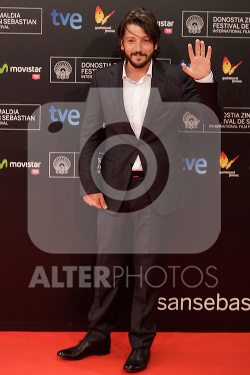 Diego Luna posses in the photocall before the closing ceremony during the 61st San Sebastian Film Festival in the Northern Spanish Basque city of San Sebastian on September 27, 2013. (ALTERPHOTOS/Victor Blanco)