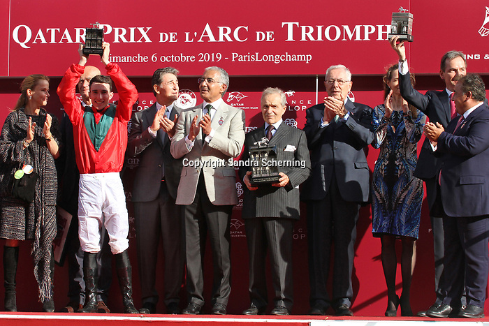October 06, 2019, Paris (France) - Connection of Waldgeist (2) at the Winners Presentation after winning the Prix de l'Arc de Triomphe (Gr I) on October 6 in ParisLongchamp. [Copyright (c) Sandra Scherning/Eclipse Sportswire)]