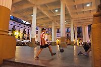 Europe/Espagne/Pays Basque/Guipuscoa/Goierri/Ordizia: place Nagusia La halle qui accueille un de splus grands marchés du Guipuscoa