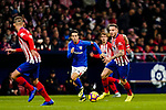 Markel Susaeta Laskurain of Athletic de Bilbao (L) fights for the ball with Saul Niguez Esclapez of Atletico de Madrid (R) during the La Liga 2018-19 match between Atletico de Madrid and Athletic de Bilbao at Wanda Metropolitano, on November 10 2018 in Madrid, Spain. Photo by Diego Gouto / Power Sport Images