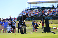 Phil Mickelson (USA) tees off the 17th tee during Thursday's Round 1 of the 118th U.S. Open Championship 2018, held at Shinnecock Hills Club, Southampton, New Jersey, USA. 14th June 2018.<br /> Picture: Eoin Clarke | Golffile<br /> <br /> <br /> All photos usage must carry mandatory copyright credit (&copy; Golffile | Eoin Clarke)