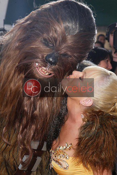 """Chewbacca and Katie Lohmann<br /> at the """"Star Wars: Revenge Of The Sith"""" Los Angeles Premiere, Mann Village, Westwod, CA 05-12-05<br /> David Edwards/DailyCeleb.Com 818-249-4998"""