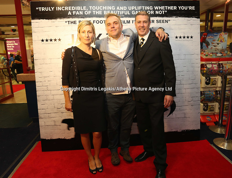Pictured: Film director Marc Evans (C) with executive producer Gwenllian Hughes (L). Sunday 14 September 2014<br />