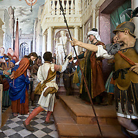 Sacro Monte di Varallo XXVII° cappella: la prima volta di Cristo al tribunale di Pilato..The Sacro Monte of Varallo XXVII° chapel: Jesus before Pilate's Court