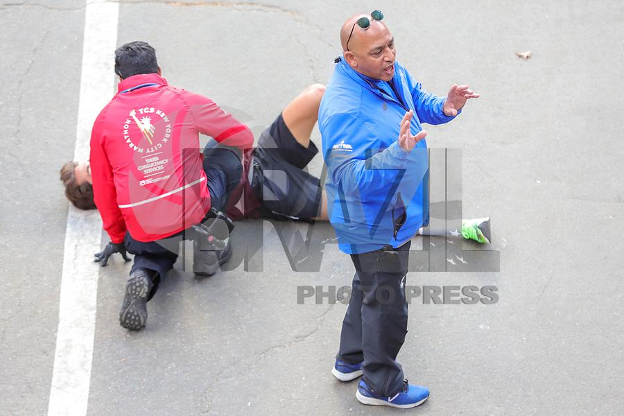 Nova York (EUA), 03/11/2019 - Maratona de Nova York -  O atleta ajudou durante o Professional Men's Finish durante a Maratona de Nova York do TCS 2019 em Nova York em 3 de novembro de 2019  (Foto: William Volcov/Brazil Photo Press)