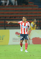 MEDELLÍN -COLOMBIA-18-04-2015. Vladimir Hernandez jugador de Atlético Junior celebra un gol anotado a Atlético Nacional durante partido por la fecha 16 de la Liga Aguila I 2015 jugado en el estadio Atanasio Girardot de la ciudad de Medellín./ Vladimir Hernandez players of Atletico Junior celebrate a goal scored to Atletico Nacional during the match for the  16th date of the Aguila League I 2015 at Atanasio Girardot stadium in Medellin city. Photo: VizzorImage/León Monsalve/ Cont