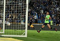BOGOTA - COLOMBIA - 18 – 11 - 2017: Ayron del Valle (Fuera de Cuadro), jugador de Millonarios, anota gol al Deportivo Cali, durante partido de la fecha 20 entre Millonarios y Deportivo Cali, por la Liga Aguila II-2017, jugado en el estadio Nemesio Camacho El Campin de la ciudad de Bogota. / Ayron del Valle (Out of Frame) player of Millonarios scored a goal to Deportivo Cali, during a match of the date 20th between Millonarios and Deportivo Cali, for the Liga Aguila II-2017 played at the Nemesio Camacho El Campin Stadium in Bogota city, Photo: VizzorImage / Luis Ramirez / Staff.
