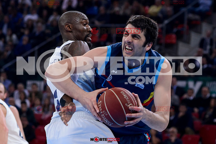 Real Madrid's Othello Hunter and Morabanc Andorra's Giorgi Shermadini during Quarter Finals match of 2017 King's Cup at Fernando Buesa Arena in Vitoria, Spain. February 16, 2017. (ALTERPHOTOS/BorjaB.Hojas) /Nortephoto.com