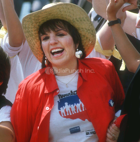#LizaMinnelli 1986<br /> Photo By John Barrett/PHOTOlink.net / MediaPunch