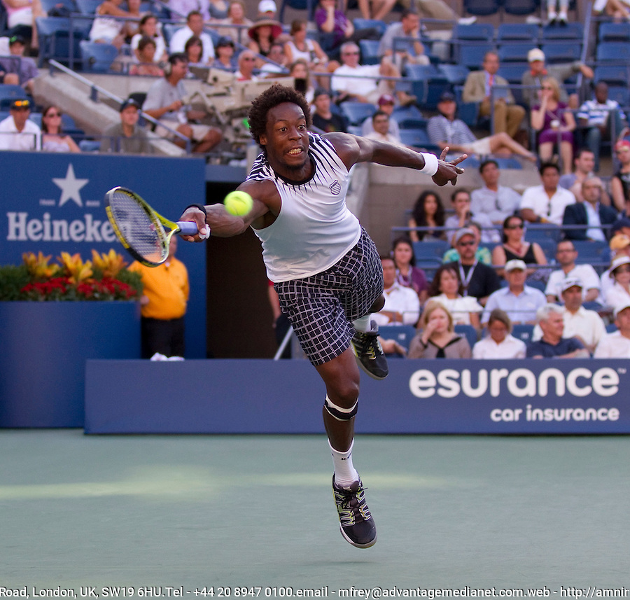 Gael Monfils (FRA) (17) against Novak Djokovic (SRB) (3) in the quarter finals of the men's singles. Novak Djokovic beat Gael Monfils 7-6 6-1 6-2..International Tennis - US Open - Day 10 - 8 Sep 2010 - USTA Billie Jean King National Tennis Center - ..© AMN Images, Level 1, Barry House, 20-22 Worple Road, London, UK, SW19 6HU.Tel - +44 20 8947 0100.email - mfrey@advantagemedianet.com.web - http://amnimages.photoshelter.com/.web - www.advantagemedianet.com