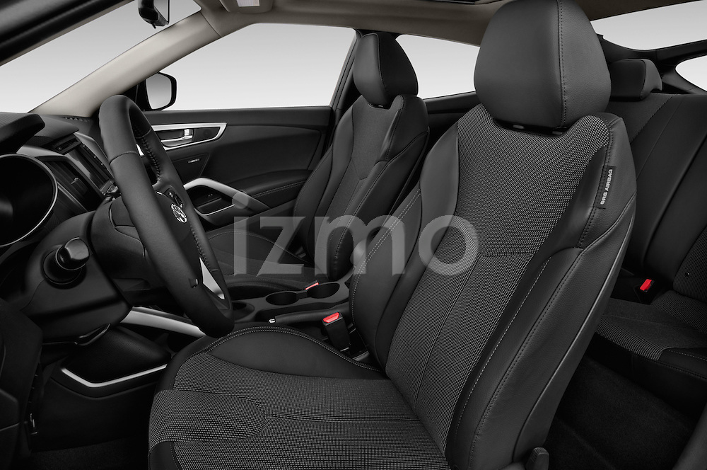 Front seat view of 2016 Hyundai Veloster 1.6-Manual 4 Door Hatchback Front Seat  car photos