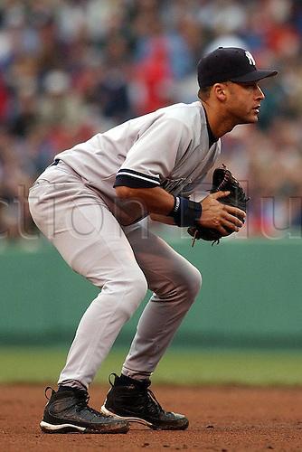 Shortstop Derek Sanderson Jeter (Yankees), crouching ready to make a catch