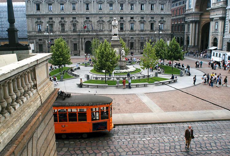 Italia, Milano, piazza Scala..Italy, Milan, Scala square..© Andrea Pagliarulo