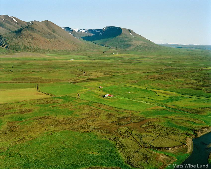 Laufás áður Tillingastaðir séð til suðausturs, jörðin var skipt i 2 parta og heitir syðri partin Árnes.  Húnaþing vestra áður Þorkelshólshreppur /  Laufas viewing southeast, former name Tillingastaðir. The farm was divided ento 2 parts of which the southernmore is Anes. Hunathing vestra former Thorkelsholshreppur.
