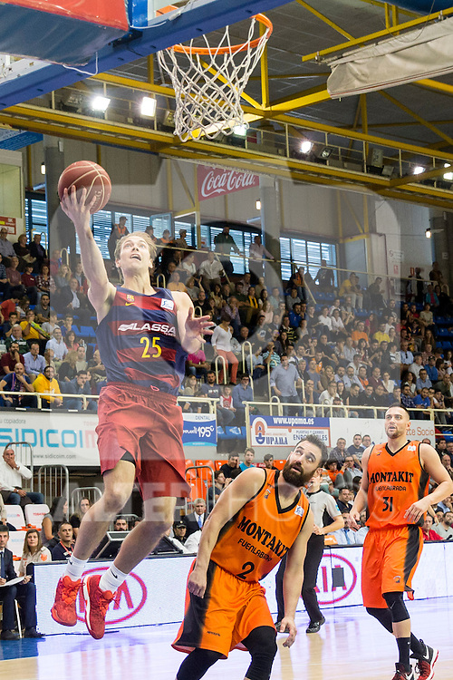 FC Barcelona Lassa's Petteri Koponen Montakit Fuenlabrada's Marko Popovic during the match of Endesa ACB League between Fuenlabrada Montakit and FC Barcelona Lassa at Fernando Martin Stadium in fuelnabrada,  Madrid, Spain. October 30, 2016. (ALTERPHOTOS/Rodrigo Jimenez)
