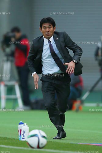 Hajime Moriyasu (Sanfrecce), <br /> APRIL 18, 2015 - Football /Soccer : <br /> 2015 J1 League 1st stage match <br /> between F.C. Tokyo 1-2 Sanfrecce Hiroshima <br /> at Ajinomoto Stadium, Tokyo, Japan. <br /> (Photo by YUTAKA/AFLO SPORT) [1040]