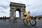 Yellow Jersey Christopher Froome (GBR) leads Team Sky around l'Arc de Triomphe during Stage 21 of the 104th edition of the Tour de France 2017, an individual time trial running 1.3km from Montgeron to Paris Champs-Elysees, France. 23rd July 2017.<br /> Picture: ASO/Alex Broadway | Cyclefile<br /> <br /> <br /> All photos usage must carry mandatory copyright credit (&copy; Cyclefile | ASO/Alex Broadway)