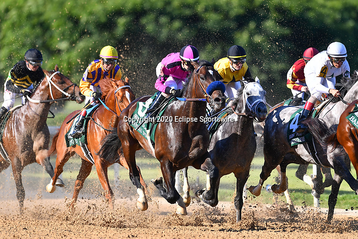 Anneau d'Or (8) with jockey Juan Hernandez aboard during the 1st division of the Arkansas Derby at Oaklawn Racing Casino Resort in Hot Springs, Arkansas on May 2, 2020. Ted McClenning/Eclipse Sportswire/CSM