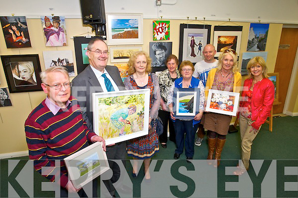 l-r Denis O'Shea, Hilary Kelly, June Hewitt Cournane (Tutor), Nora Diggan, Breda O'Connor, Declan Sheehan, Breda Drum and Geraldine Gannon at the Tralee Community college Art Exhibition on Thursday