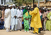 BURKINA FASO Dori, dialogue Christianity and Islam, appointment of new Imam of Grand Mosque, men wearing Boubou / BURKINA FASO Dori,  Islam,  Ernennung eines neuen Imam der grossen Moschee