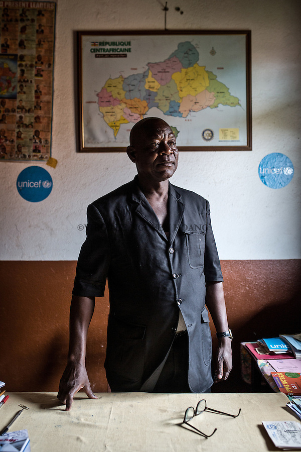CAR, Bangui: Tolossaint M.-Jacques, director of the Galabadga school in his office. 15th April 2016<br /> <br /> RCA, Bangui : Tolossaint M.- Jacques , directeur de l'&eacute;cole Galabadga dans son bureau . 15 Avril 2016