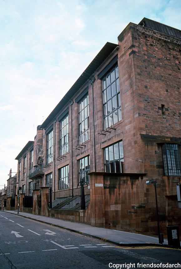C.R. Mackintosh: Glasgow School of Art, North Facade.