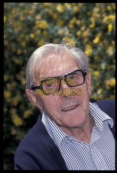 ERIC SYKES.Ref: 543.portrait, headshot, glasses.*RAW SCAN- photo will be adjusted for publication*.www.capitalpictures.com.sales@capitalpictures.com.©Capital Pictures