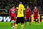10.11.2018, Signal Iduna Park, Dortmund, GER, 1.FBL, Borussia Dortmund vs FC Bayern M&uuml;nchen, DFL REGULATIONS PROHIBIT ANY USE OF PHOTOGRAPHS AS IMAGE SEQUENCES AND/OR QUASI-VIDEO<br /> <br /> im Bild | picture shows:<br /> Thomas Mueller (Bayern #25) steht zum dritten Mal am Ansto&szlig;kreis,  <br /> <br /> Foto &copy; nordphoto / Rauch