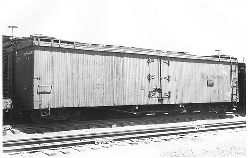 3/4 view of long reefer #151.<br /> D&amp;RGW  Alamosa, CO  Taken by Ward, Bert H. - 7/1947