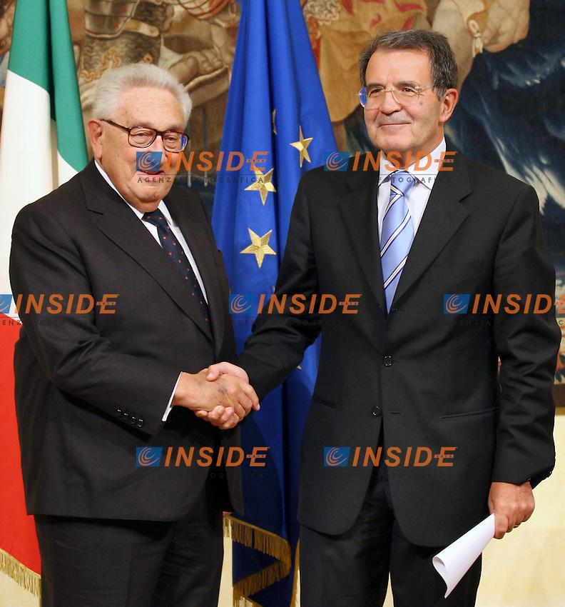 Roma 25-09-2006 Incontro a Palazzo Chigi tra il Presidente del Consiglio Roamno Prodi e Henry Kissinger. <br /> Photo Serena Cremaschi Inside